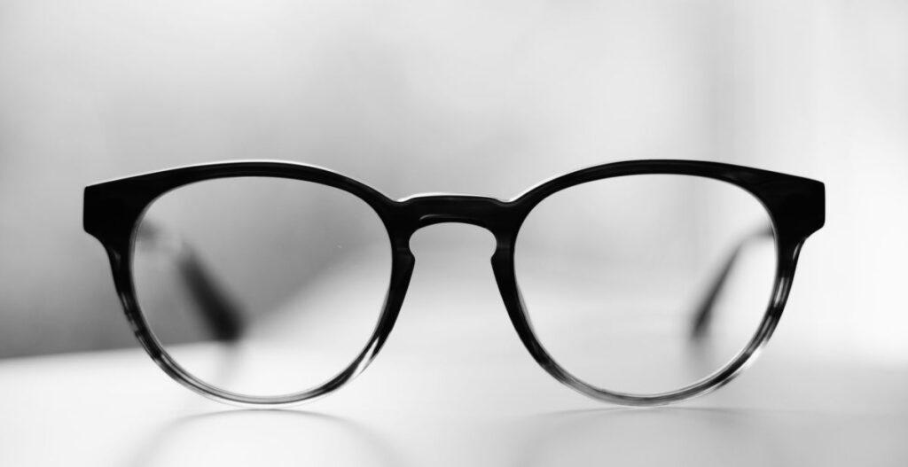 משקפיים עם מצלמה נסתרת